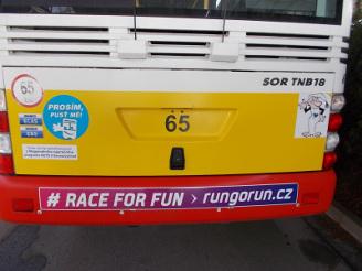 reklamní polep plochy nárazníku na zadní části autobusu - trolejbusu